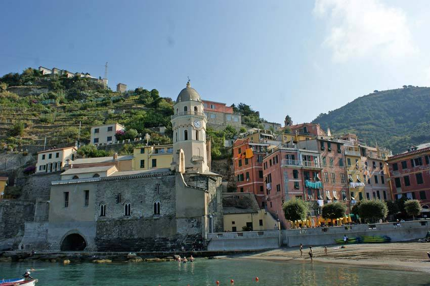 Church for catholic weddings in Vernazza