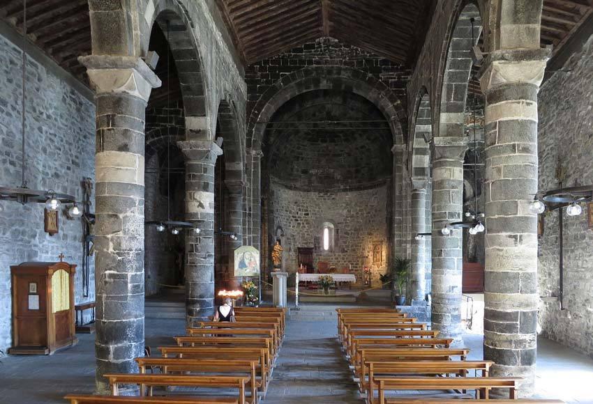 Church for catholic weddings in Vernazza