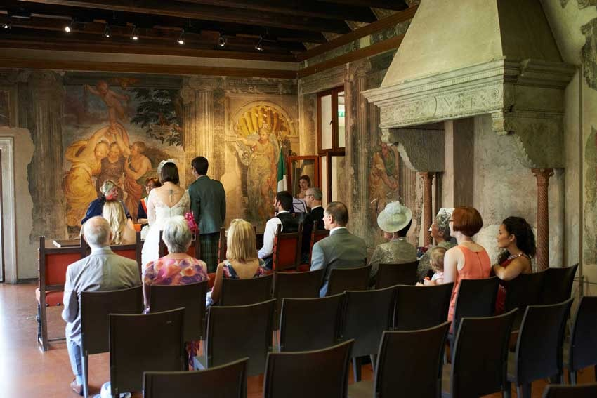Civil ceremony at Juliet's House in Verona