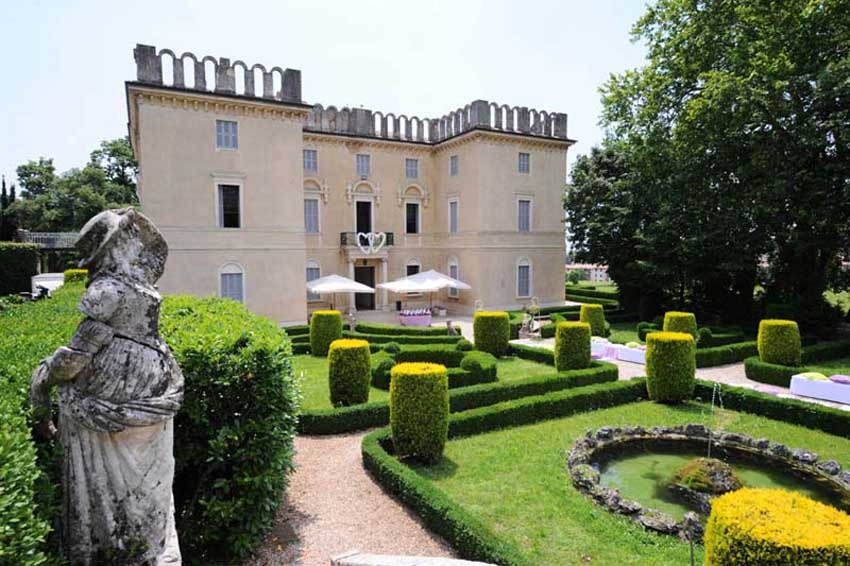 Gardens of Villa Rizzardi for weddings in the countryside of Verona
