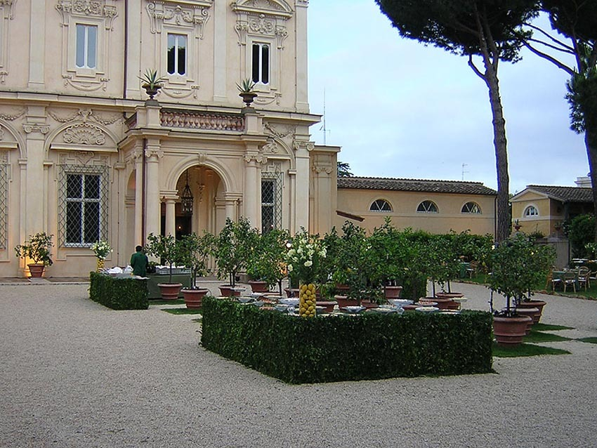 Gardens of Villa Aurelia for outdoor wedding reception in Rome