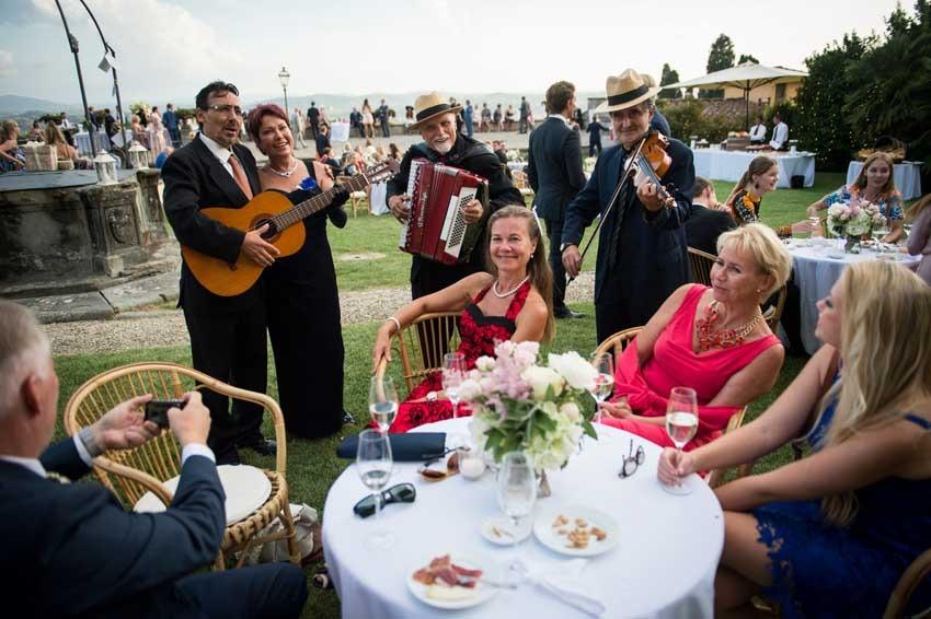 Wedding cocktail at Villa di Maiano Florence