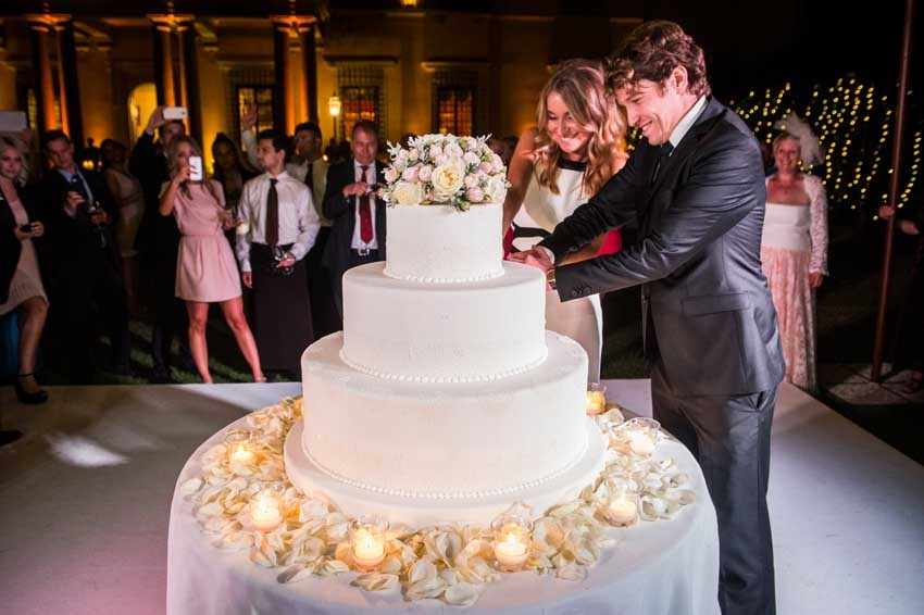 Cutting of the cake at Villa di Maiano near Florence