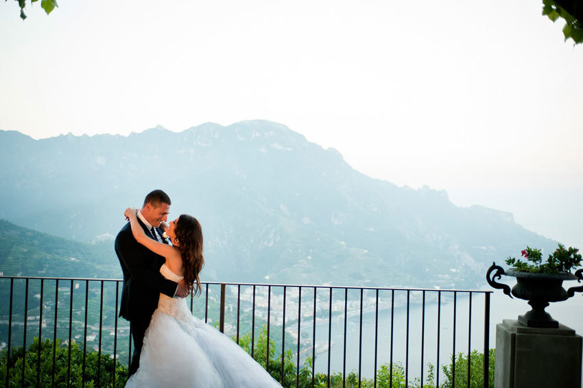 Bridal couple in the gardens of Villa Eva in Ravello
