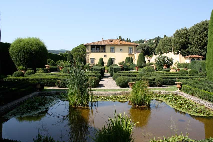 Villa Gamberaia for destination weddings in Florence