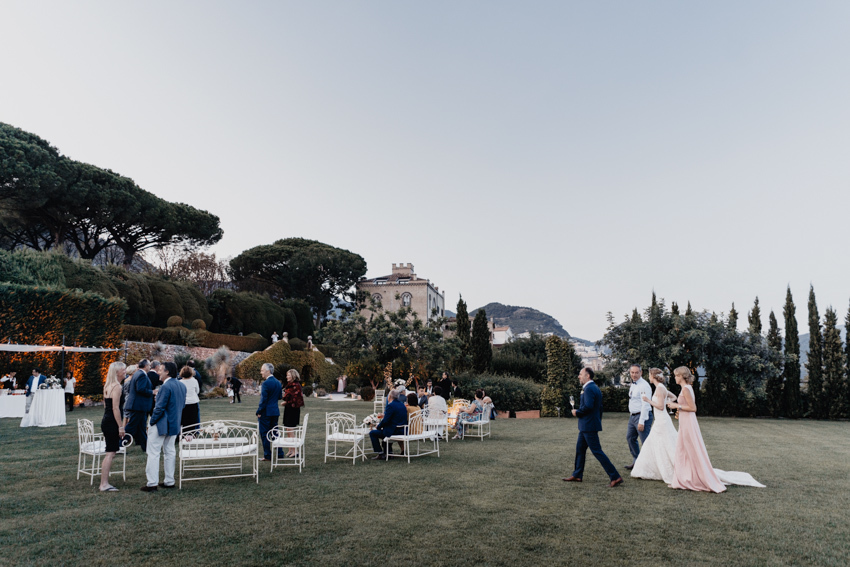 Wedding cocktail in the gardens of Villa Cimbrone