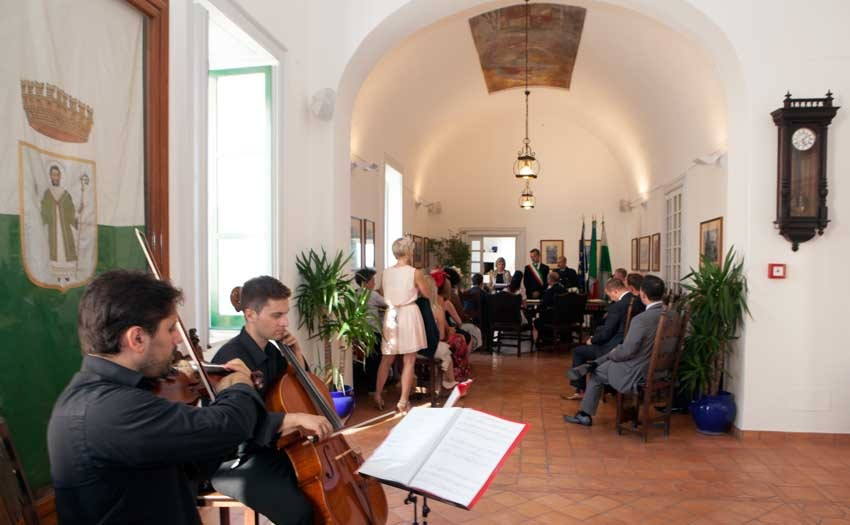 Civil ceremony in Capri Town Hall