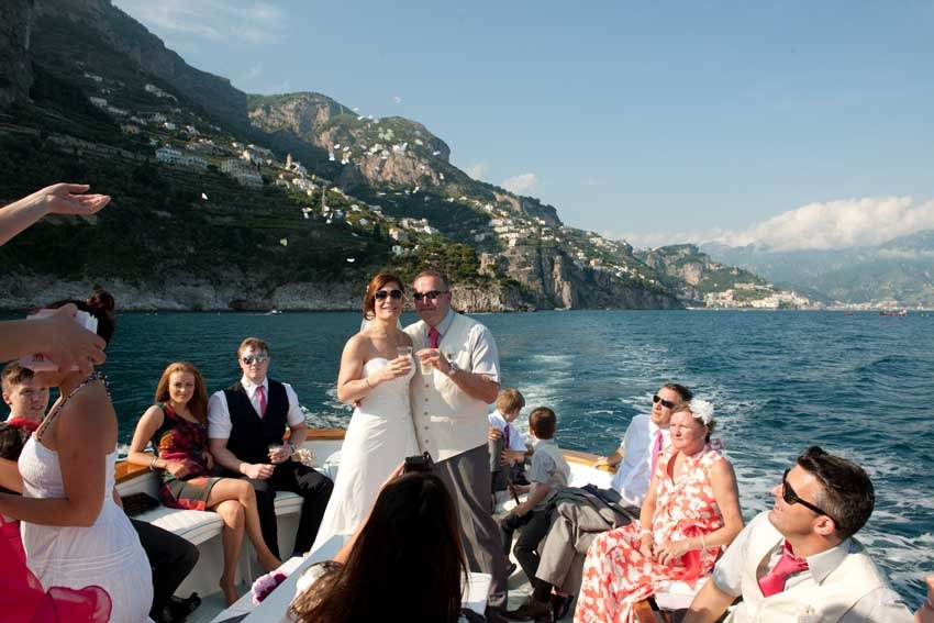 Boat trip for wedding in Positano