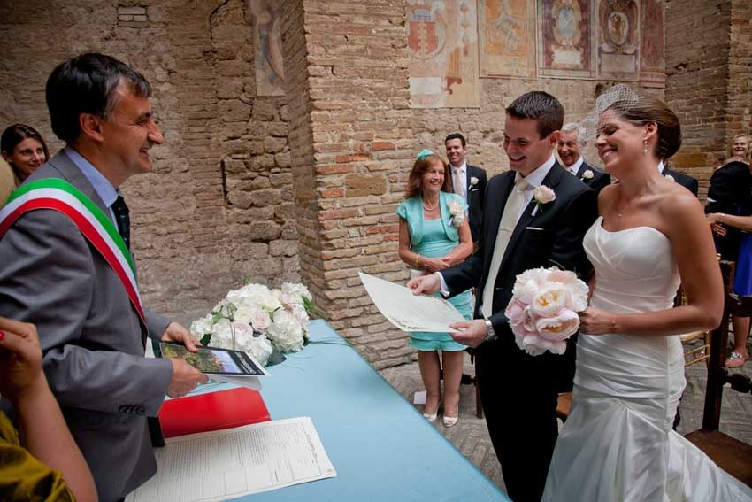 Civil wedding in San Gimignano