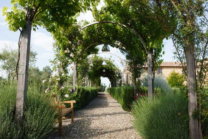 Gardens of Borgo Finocchieto for destination weddings in Tuscany