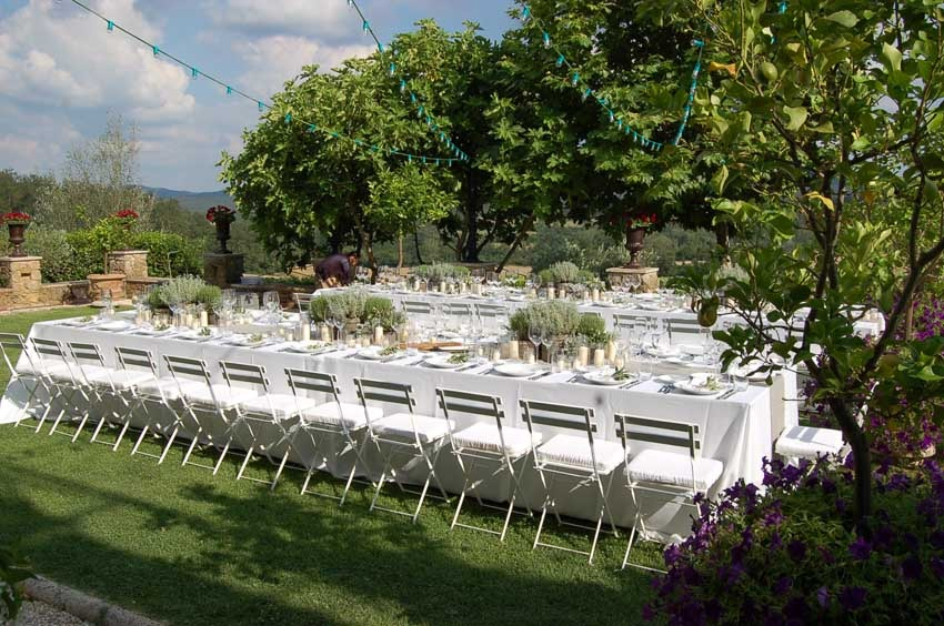 Outdoor wedding reception in Tuscany at Borgo Santo Pietro