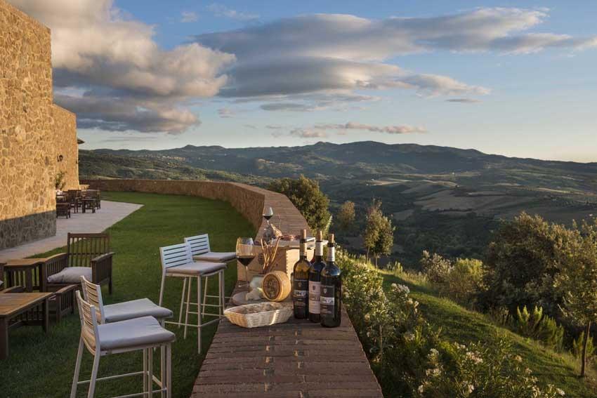 Gardens of Castello di Velona, venue for Tuscany weddings