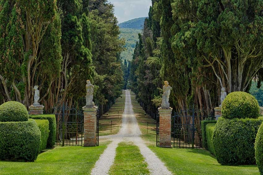 Gardens of Borgo Stomennano for Tuscany weddings