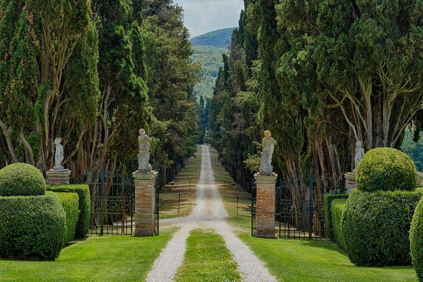 Gardens of Borgo Stomennano for Tuscany weddings