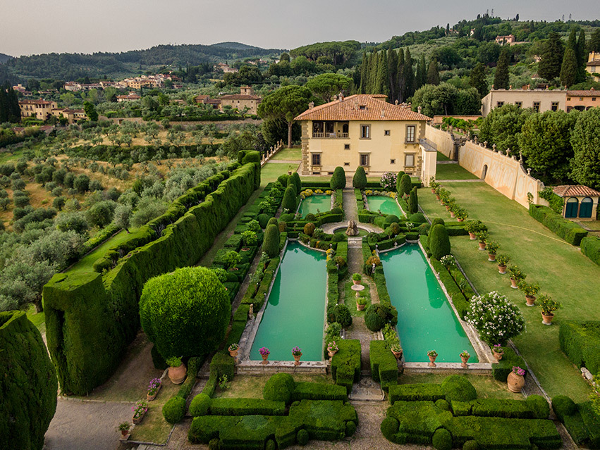 Villa Gamberaia, Florence Top Indian wedding planner for Weddings in Tuscany, Venice, Florence, Como, Rome. Thinking of a Italy wedding? Call/WA +919910325805 | +919899744727 now!