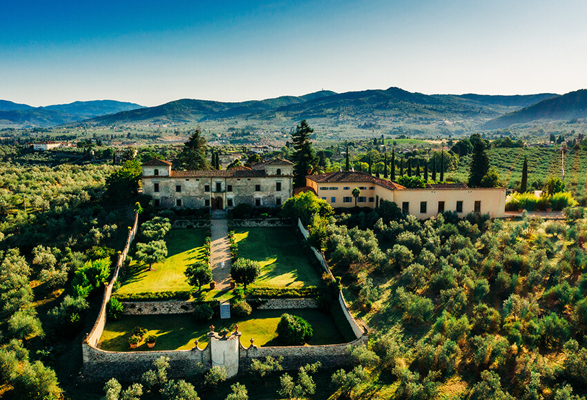 Villa Medicea di Lilliano, Florence Top Indian wedding planner for Weddings in Tuscany, Venice, Florence, Como, Rome. Thinking of a Italy wedding? Call/WA +919910325805 | +919899744727 now!