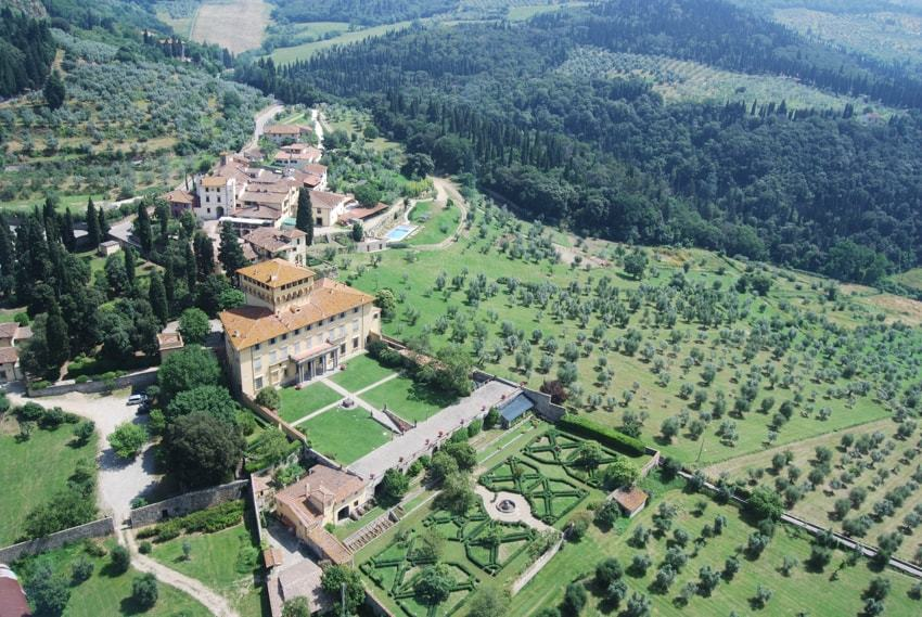 Villa di Maiano, Florence Top Indian wedding planner for Weddings in Tuscany, Venice, Florence, Como, Rome. Thinking of a Italy wedding? Call/WA +919910325805 | +919899744727 now!
