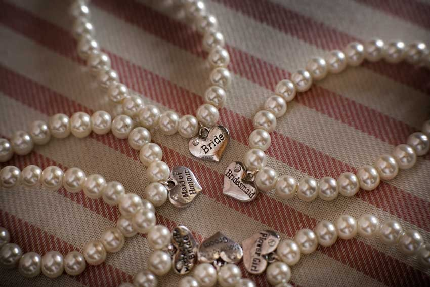 Pearls are perfect accessories for a Gatsby themed wedding