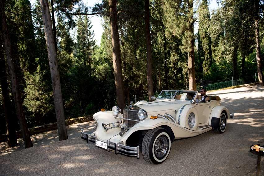 Luxury vintage car for Gatsby themed wedding