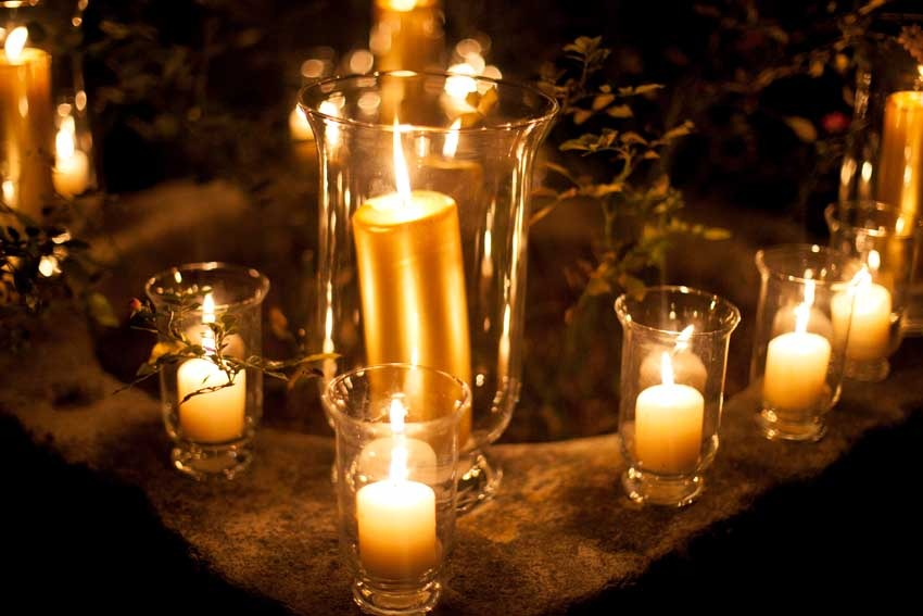 Golden candles for Gatbsy themed wedding