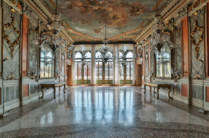 Palazzo Pisani Moretta, Venice Top Indian wedding planner for Weddings in Tuscany, Venice, Florence, Como, Rome. Thinking of a Italy wedding? Call/WA +919910325805 | +919899744727 now!