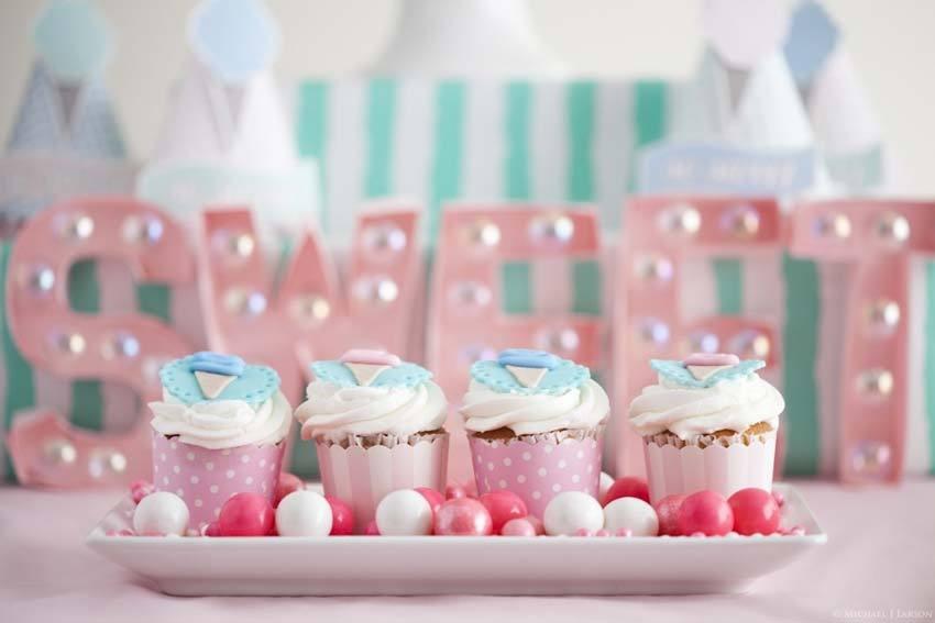 Dessert table in pastel colors