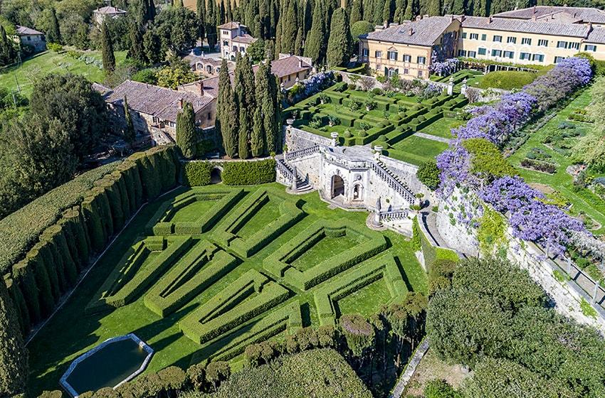 La Foce, Tuscany Top Indian wedding planner for Weddings in Tuscany, Venice, Florence, Como, Rome. Thinking of a Italy wedding? Call/WA +919910325805 | +919899744727 now!
