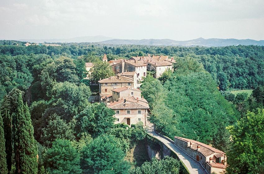 Il Borro - Villa Ferragamo, Tuscany Top Indian wedding planner for Weddings in Tuscany, Venice, Florence, Como, Rome. Thinking of a Italy wedding? Call/WA +919910325805 | +919899744727 now!