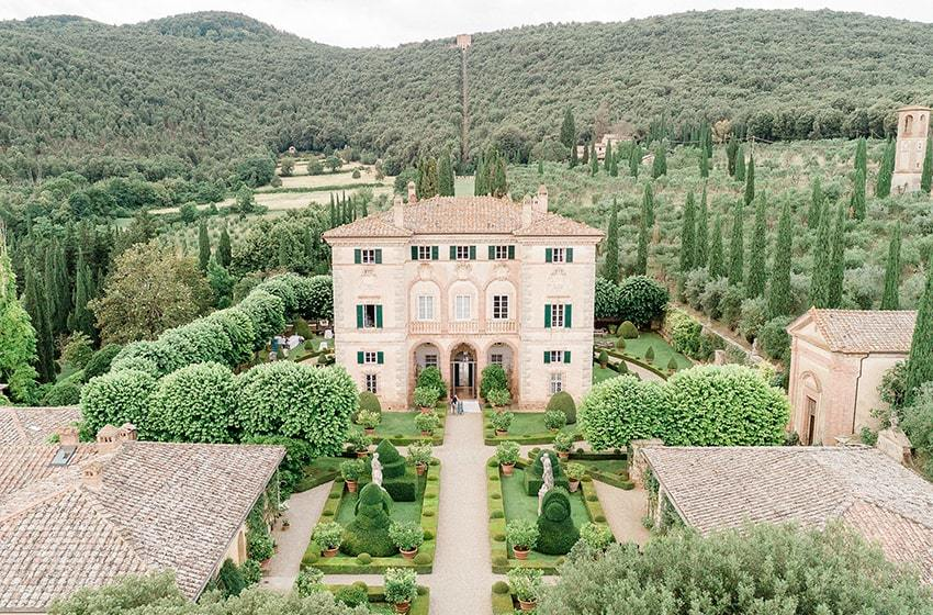 Villa Cetinale Tuscany Top Indian wedding planner for Weddings in Tuscany, Venice, Florence, Como, Rome. Thinking of a Italy wedding? Call/WA +919910325805 | +919899744727 now!