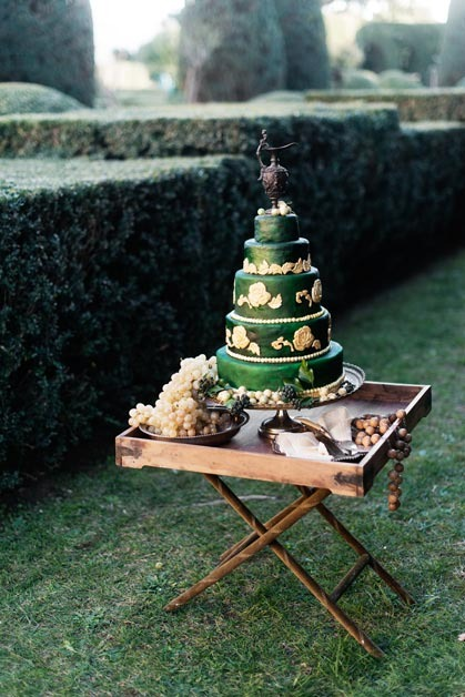Wedding cake in Renaissance style