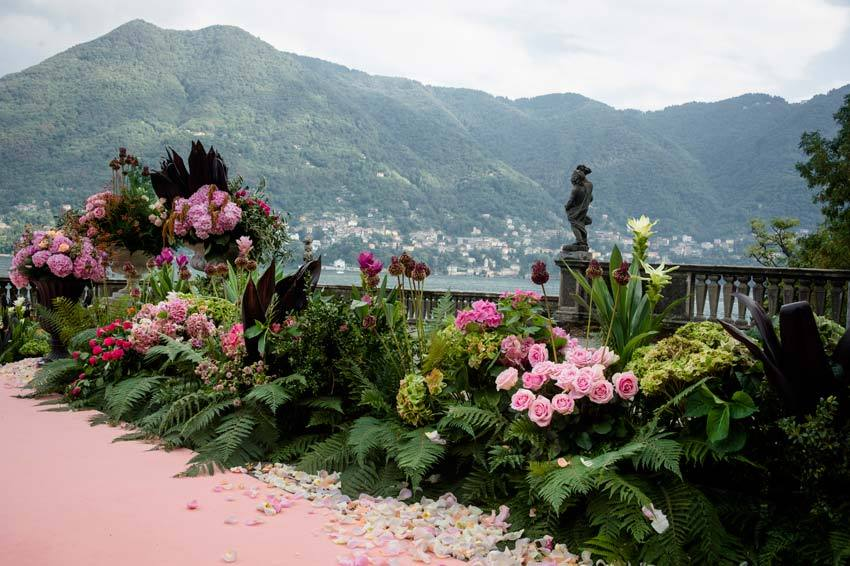 Organic florals for Italian lake wedding