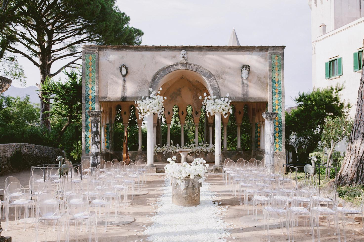 Flowers for Italian wedding ceremony