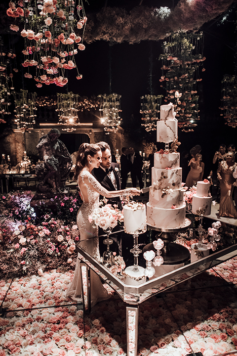 Cake cutting at Italian wedding