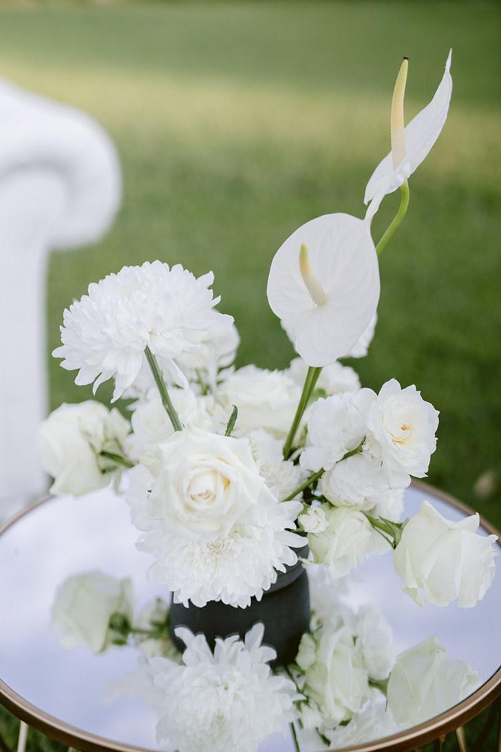 White flowers for wedding in Ravello