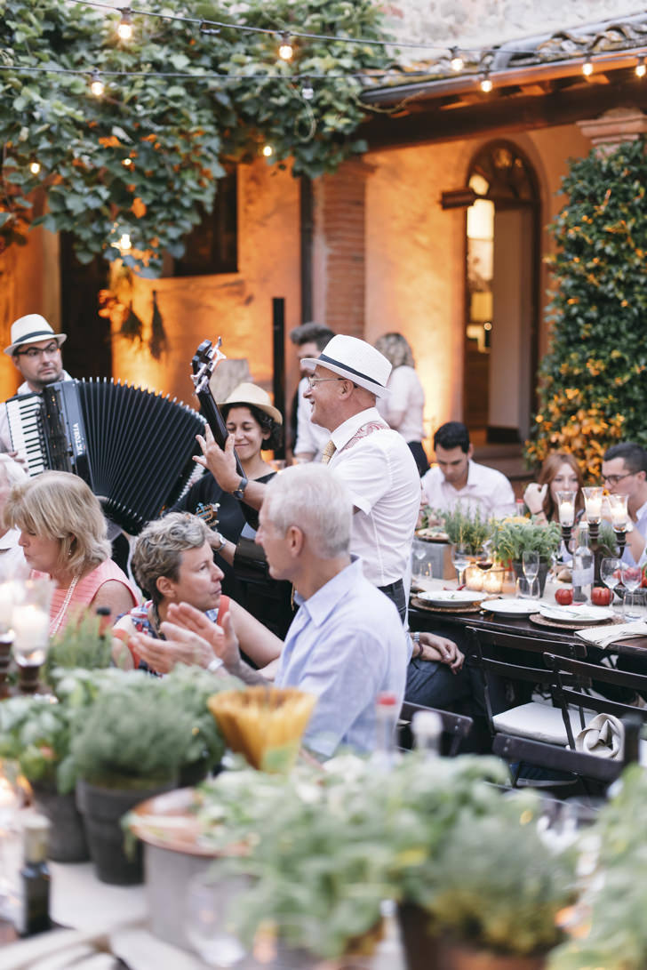 Happy moments during an Italian welcome dinner