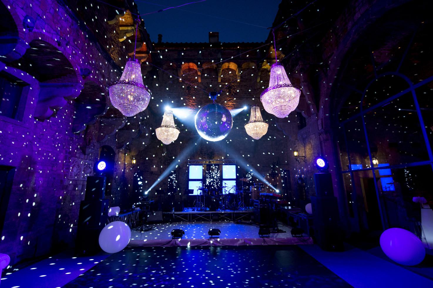 Lighting for wedding in Tuscany