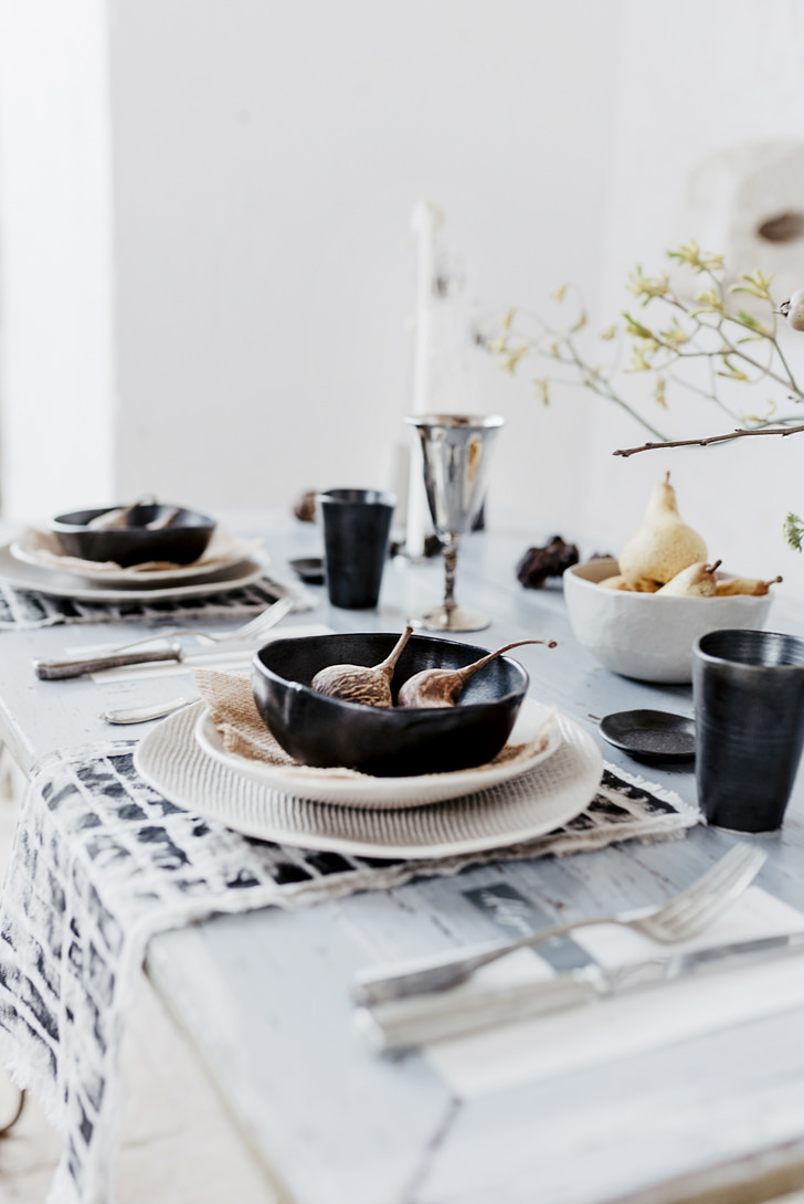 Table setting in minimalist style