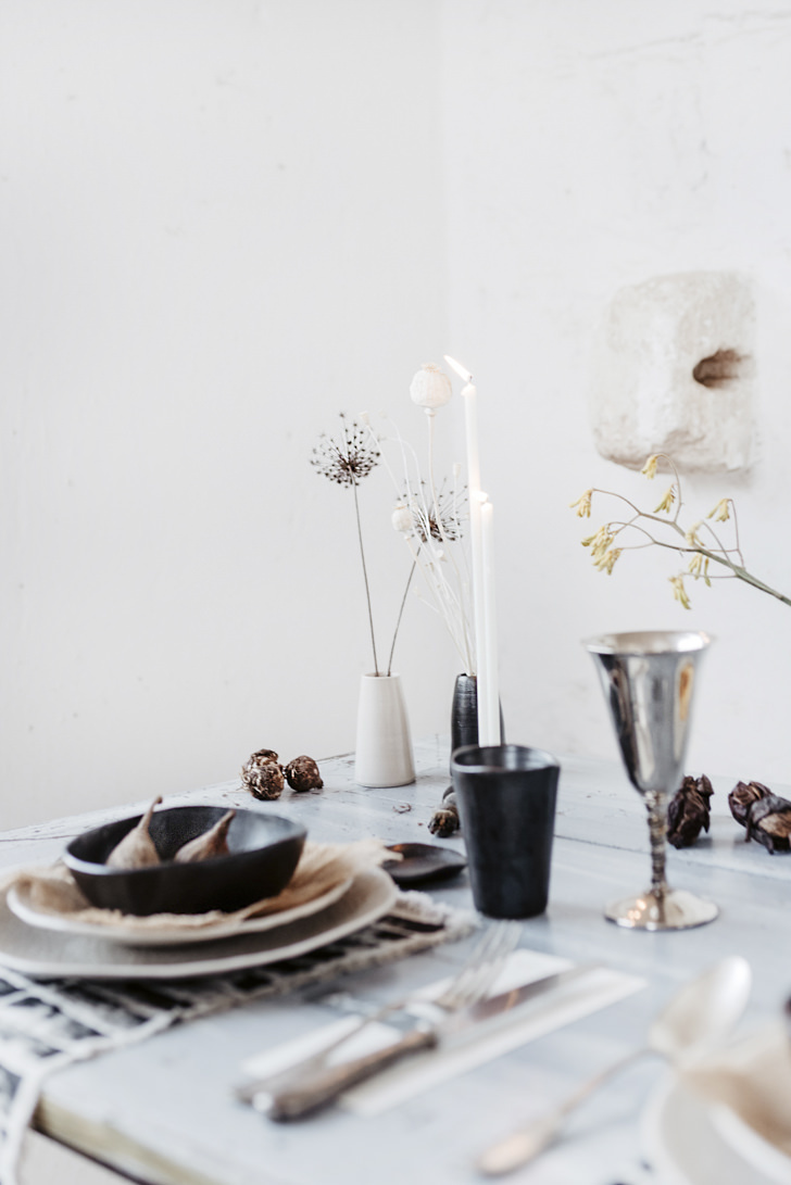 Minimal decors for wedding in Italy