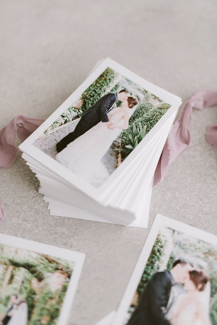 Artistic prints for wedding in Italy