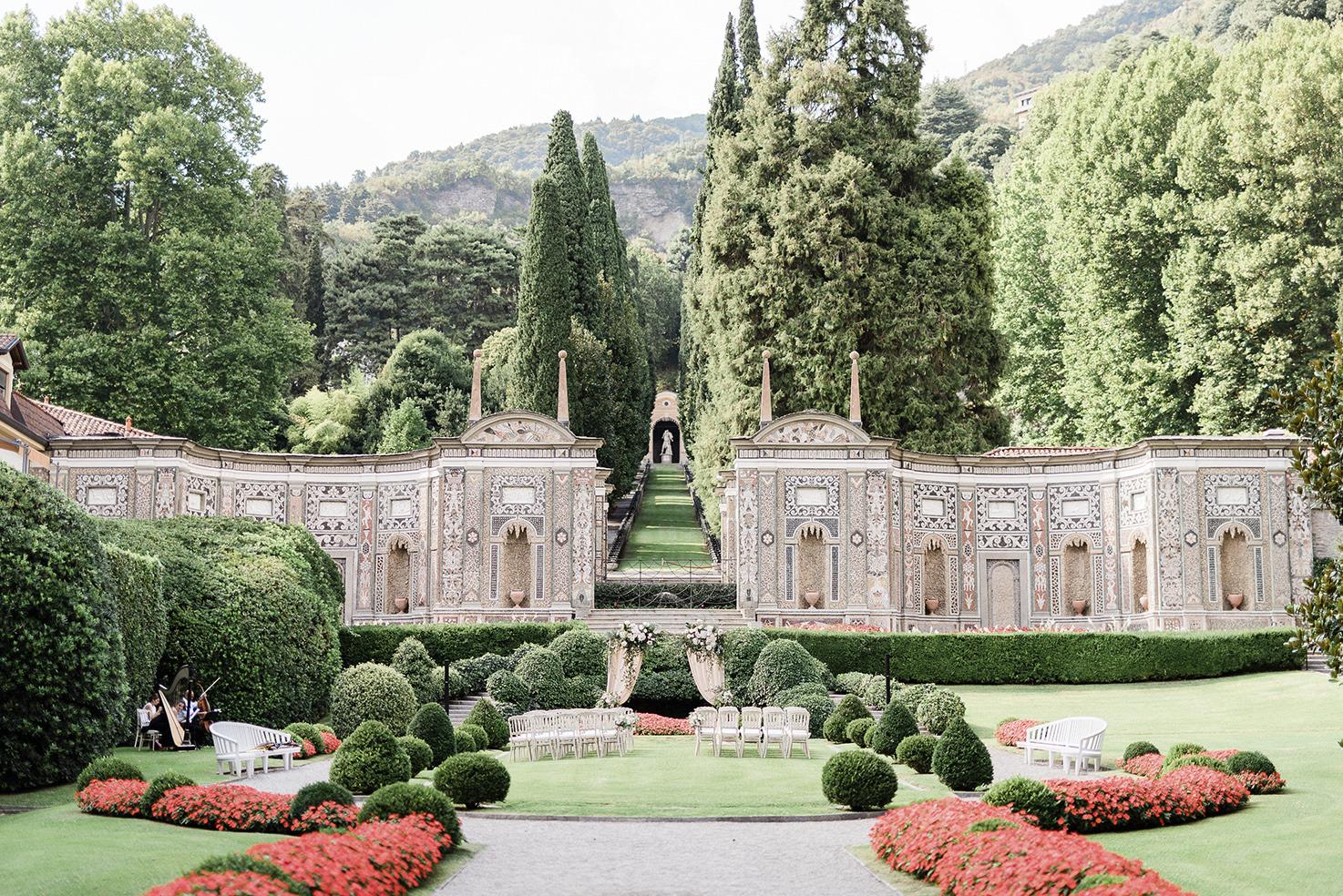 Wedding ceremony in a Lake Como Villa