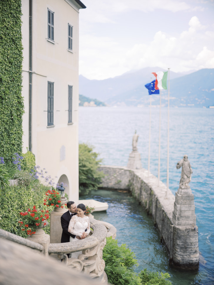 Bridal couple on Lake Como