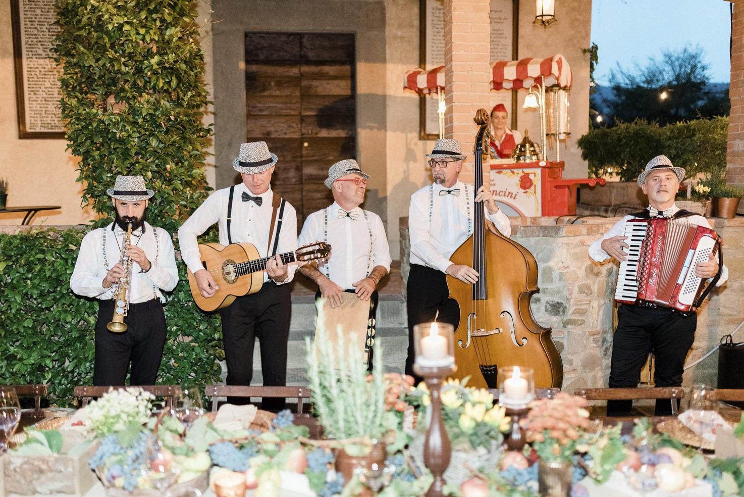 Neapolitan music for Italian wedding