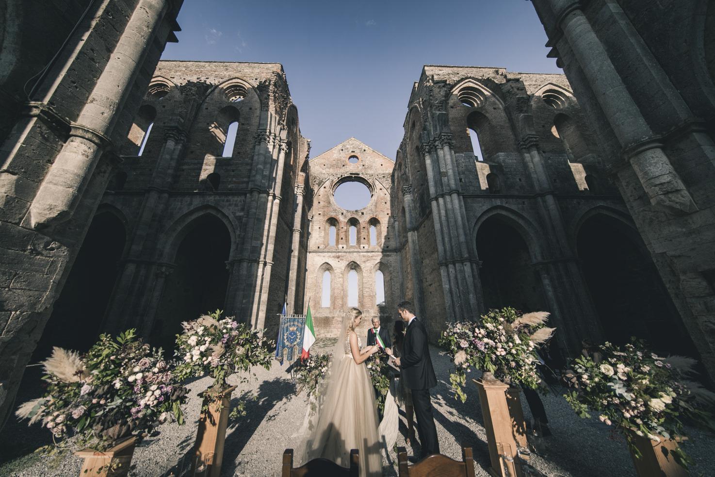 Civil ceremony at San Galgano Abbey, Tuscany