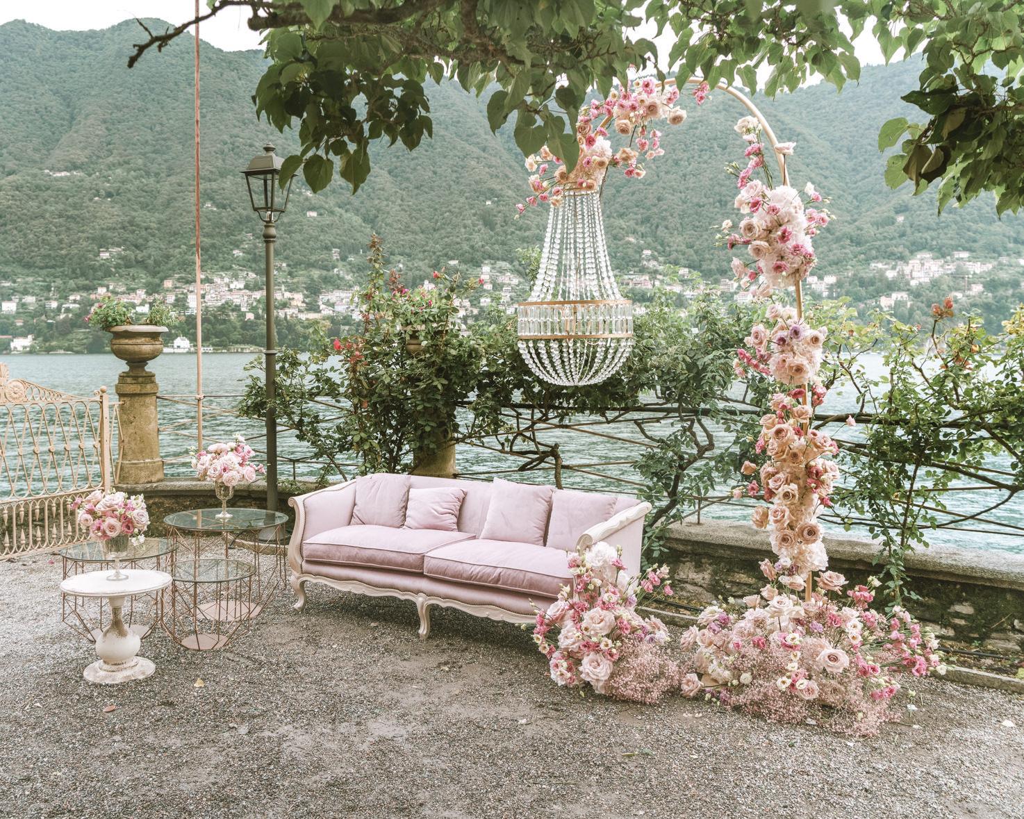 Wedding cocktail in a garden on Lake Como