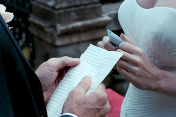 Vows and readings for a wedding in Italy
