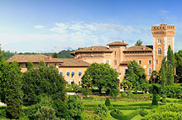 Castello di Spessa for weddings in the wine region of Friuli