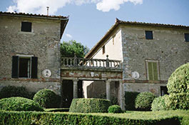 Borgo Stomennano for weddings in Tuscany