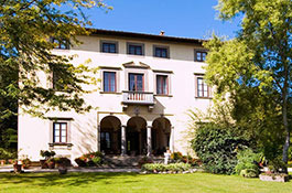 Villa Bernardini for elegant destination weddings in Tuscany