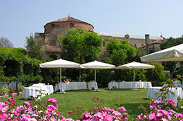 Locanda Cipriani for romantic Venice weddings