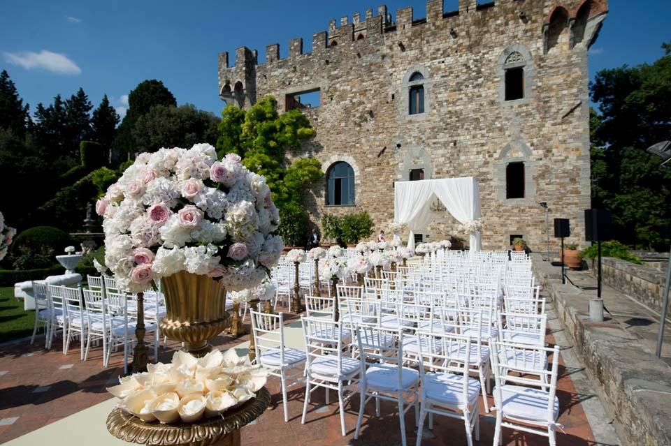 Vincigliata Castle In Tuscany The Italian Wedding Of The Year